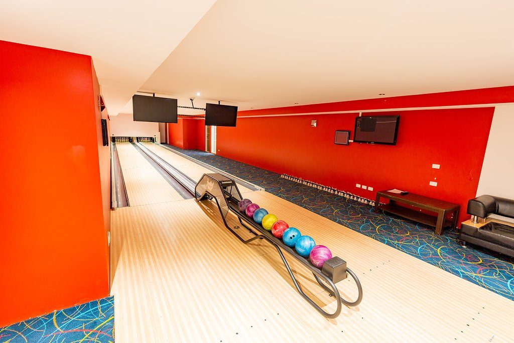 Tenpin lanes in home at Eagle Bay/WA